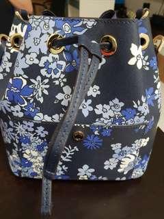 🚚 Michael Kor handbag