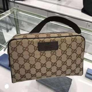 🚚 Gucci 胸包