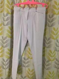 Celana kerja putih