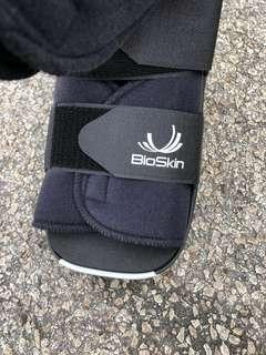 Bioskin Right foot bracers or support
