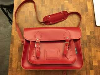 [used] Classic red zatchel 13'' (excellent for outfit matching)