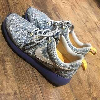 Nike x Liberty Roshe Run 限量聯名款