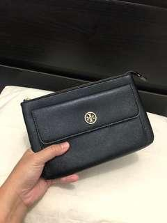 Robinson Zip Pouch Black Leather Clutch