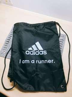 Adidas 加大型束口袋