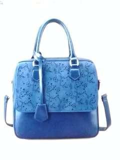 🚚 Blue handbag