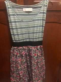 Dress bunga garis lucu