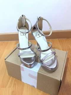 11Kgs Quinn platform heels - Silver