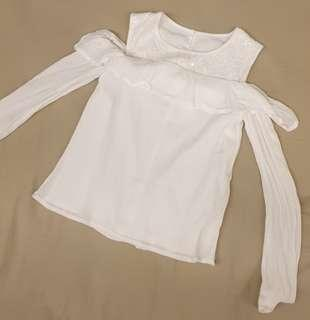 🚚 Abercrombie Girls White Off the Shoulder Blouse (Size 9-10)