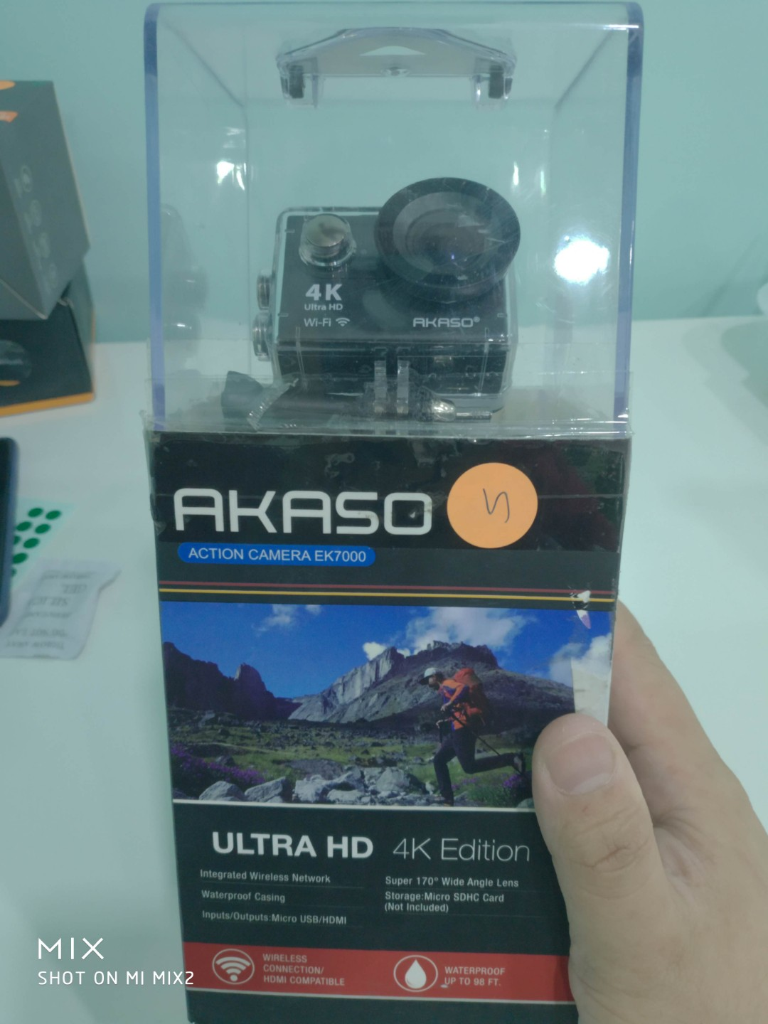 Akaso action camera Ek7000 (some scratches on screen)