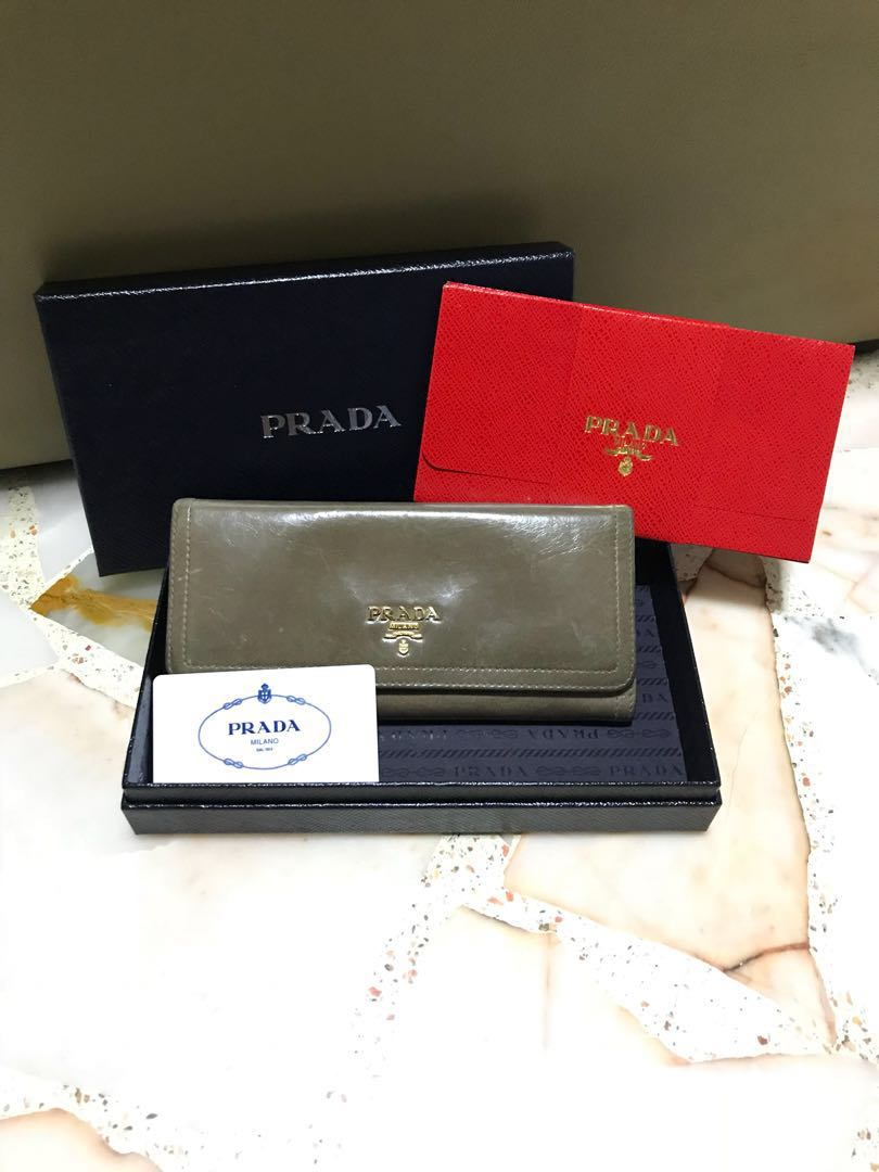 e6c2baa92a8183 Authentic Prada Wallet, Luxury, Bags & Wallets, Wallets on Carousell