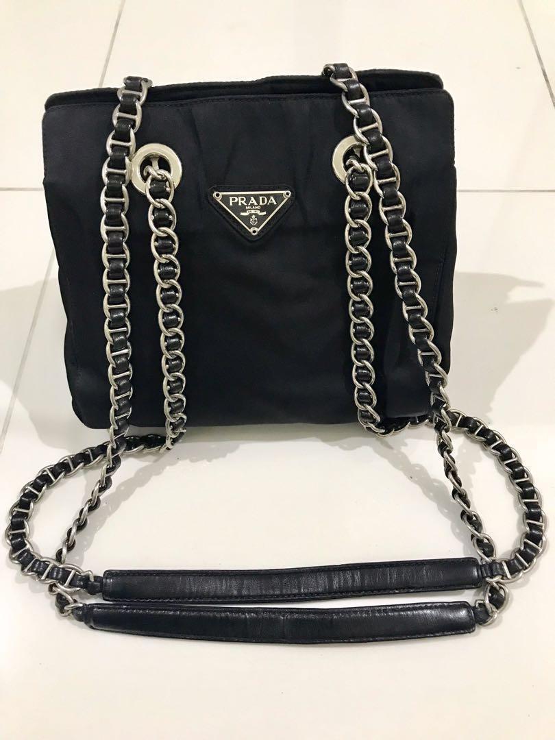 ef4688a0bdbf 💯Authentic Vintage Prada Tessuto Nylon Chain Shoulder Bag ( SMALL ...