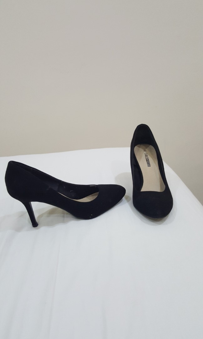 bfde84546e Barely Worn Suede Black heels