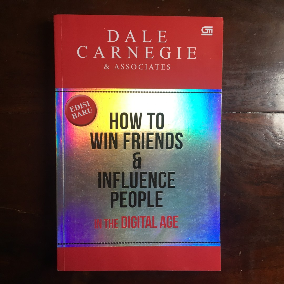 Buku How to Win Friends & Influence People - Dale Carnegie, Books &  Stationery, Books on Carousell