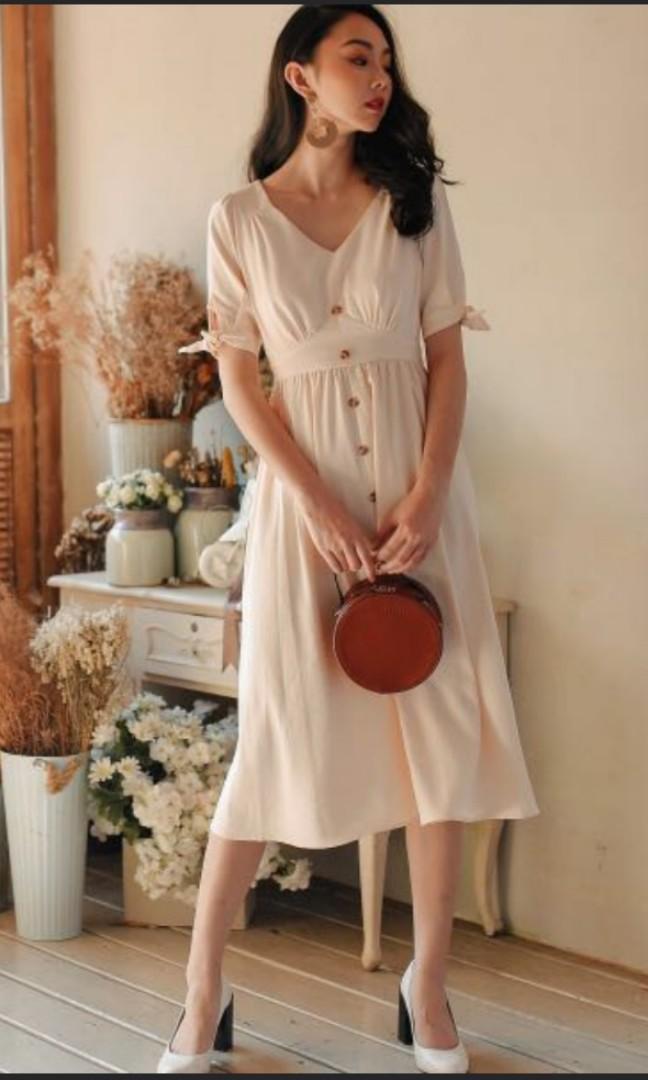 6d5f81fba3 Fashmob Sonia Linen Midi Dress in Cream