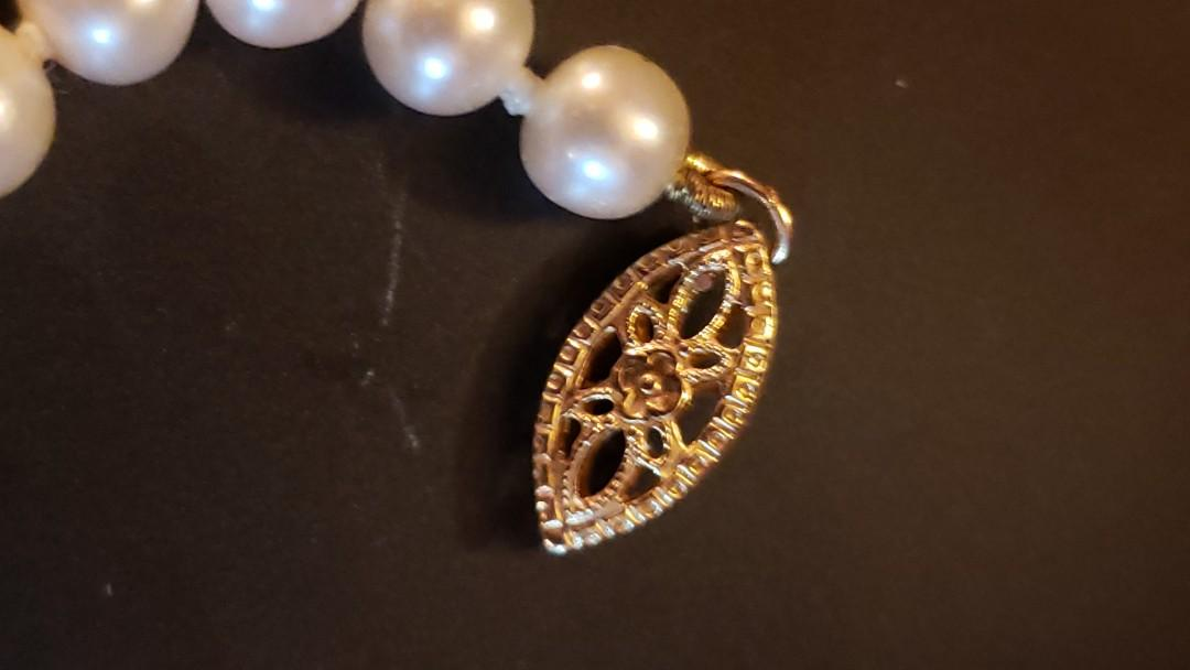 Genuine Pearl Necklace w/ 14kt clasp