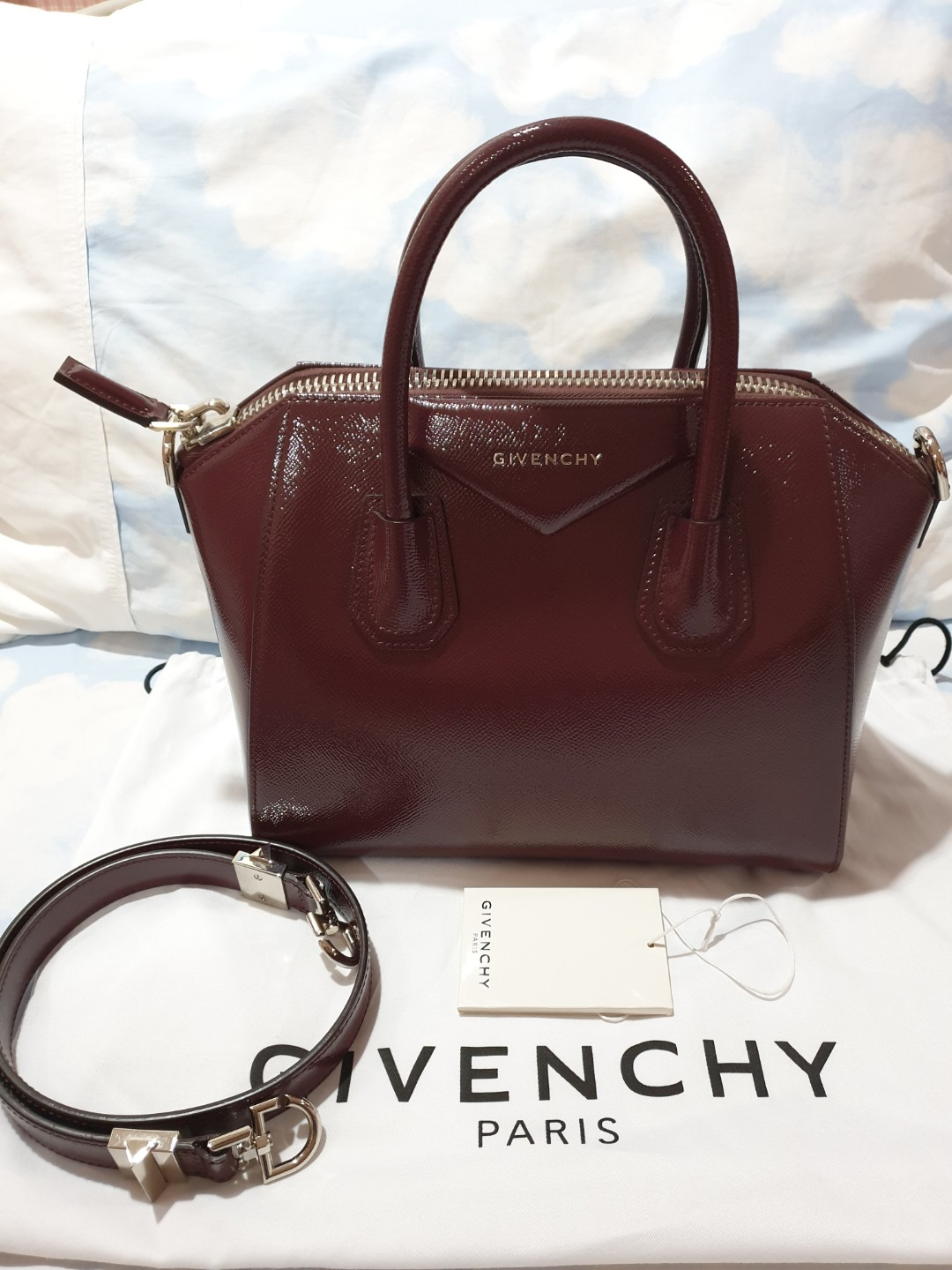 Givenchy Antigona Small in Oxblood patent leather d9910b3a9c1f9