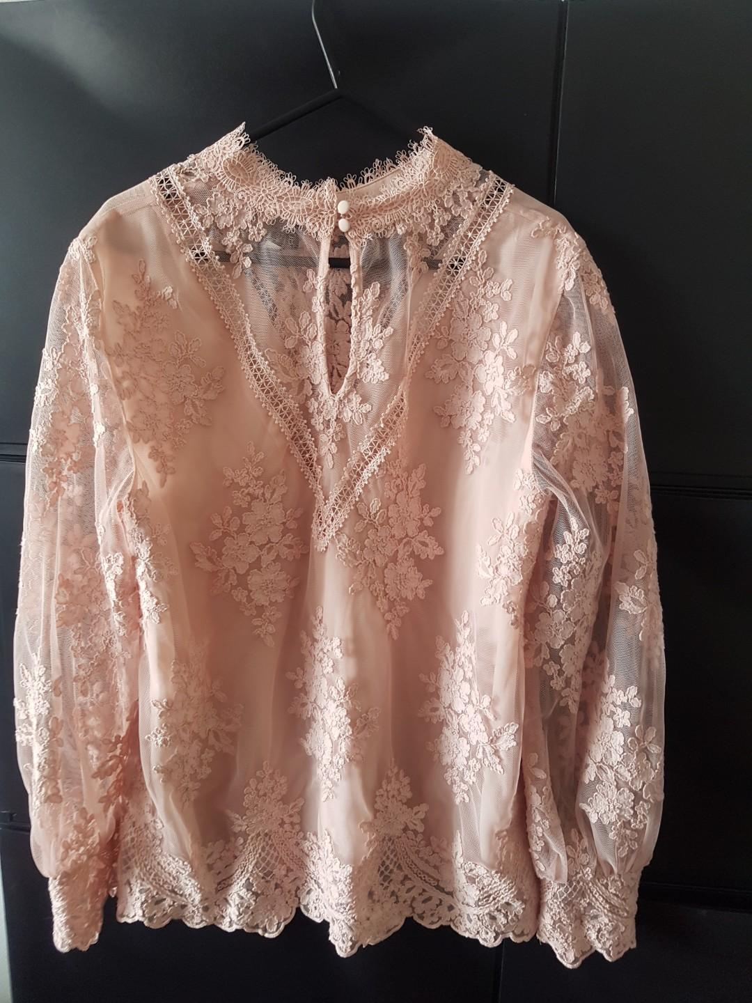 Gorgeous embroidered Forever New top- Victorian style