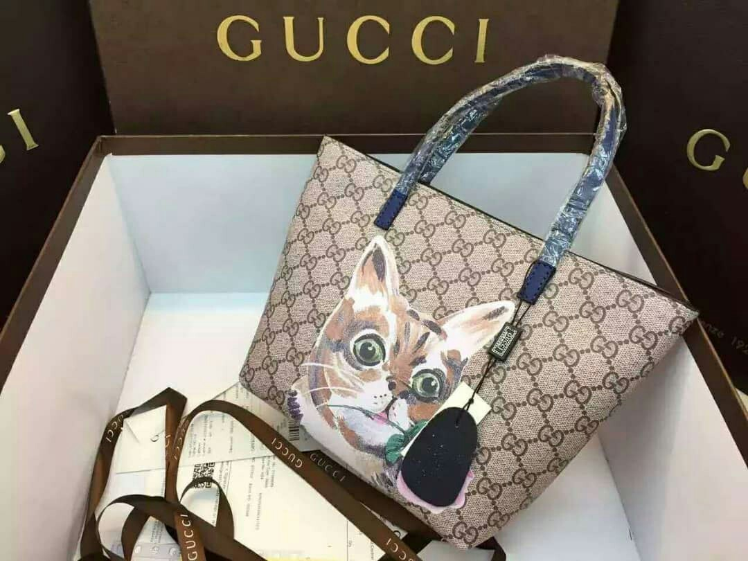 324772712134c4 Gucci Cat, Women's Fashion, Bags & Wallets on Carousell