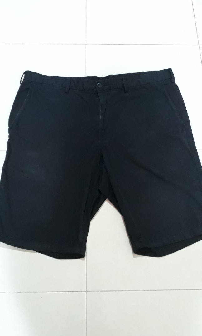ae15cecd28 Men's Uniqlo Navy Shorts, Men's Fashion, Clothes, Bottoms on Carousell