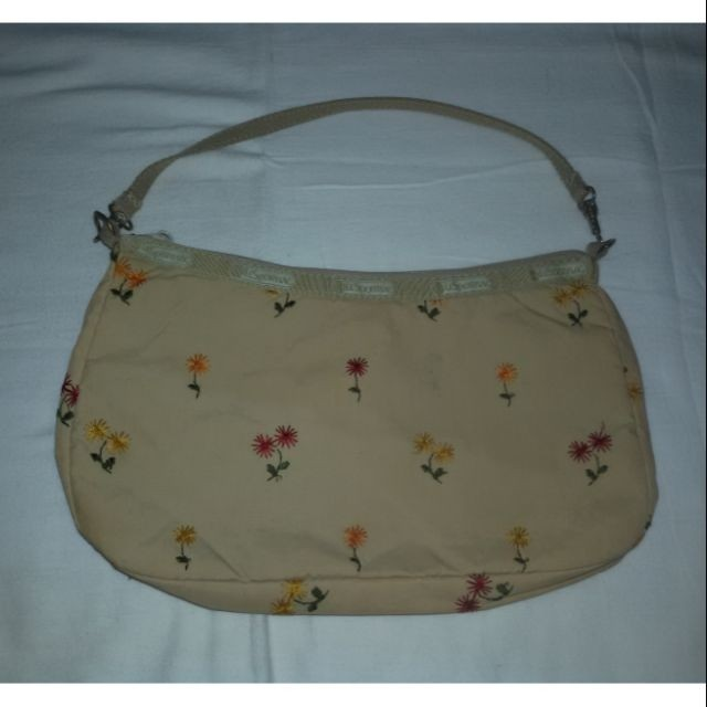 91386889c559 💞Missy s LESPORTSAC Khaki Embroidered Design Handbag