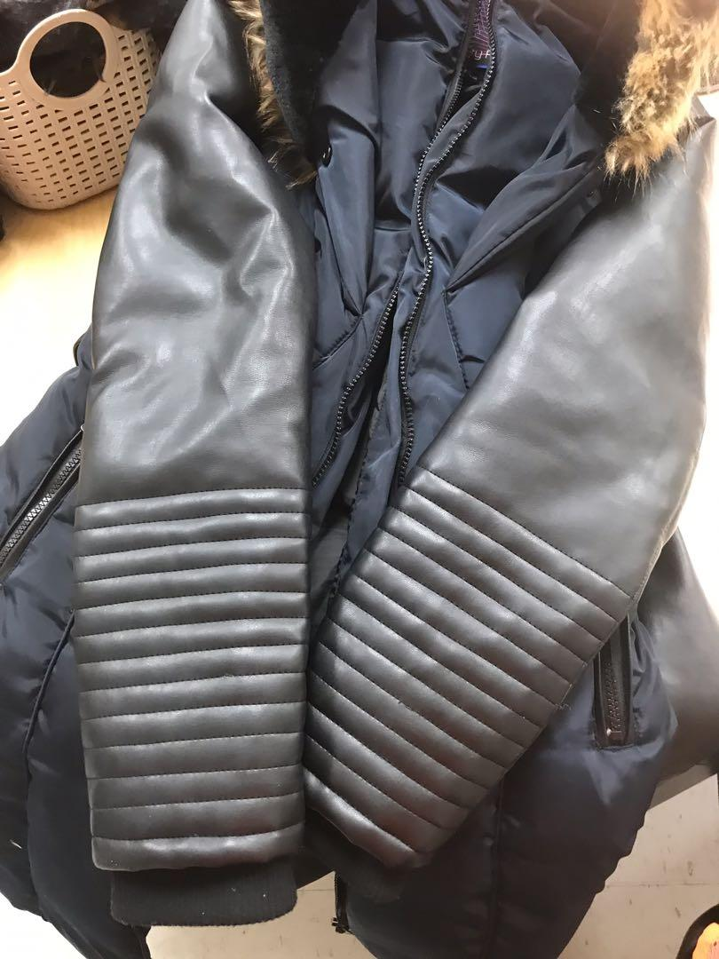 Navy blue parka coat in EUC