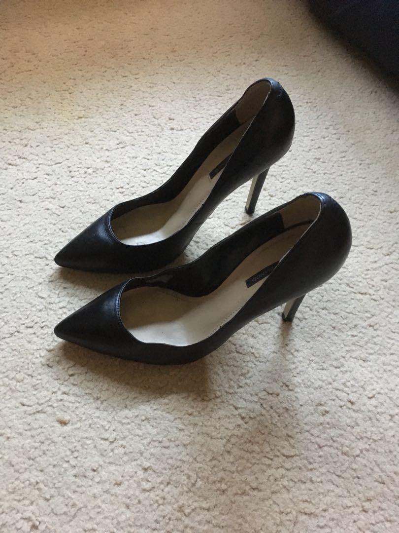 Tony Bianco Pointed Heels Size 7.5 (fits 7)