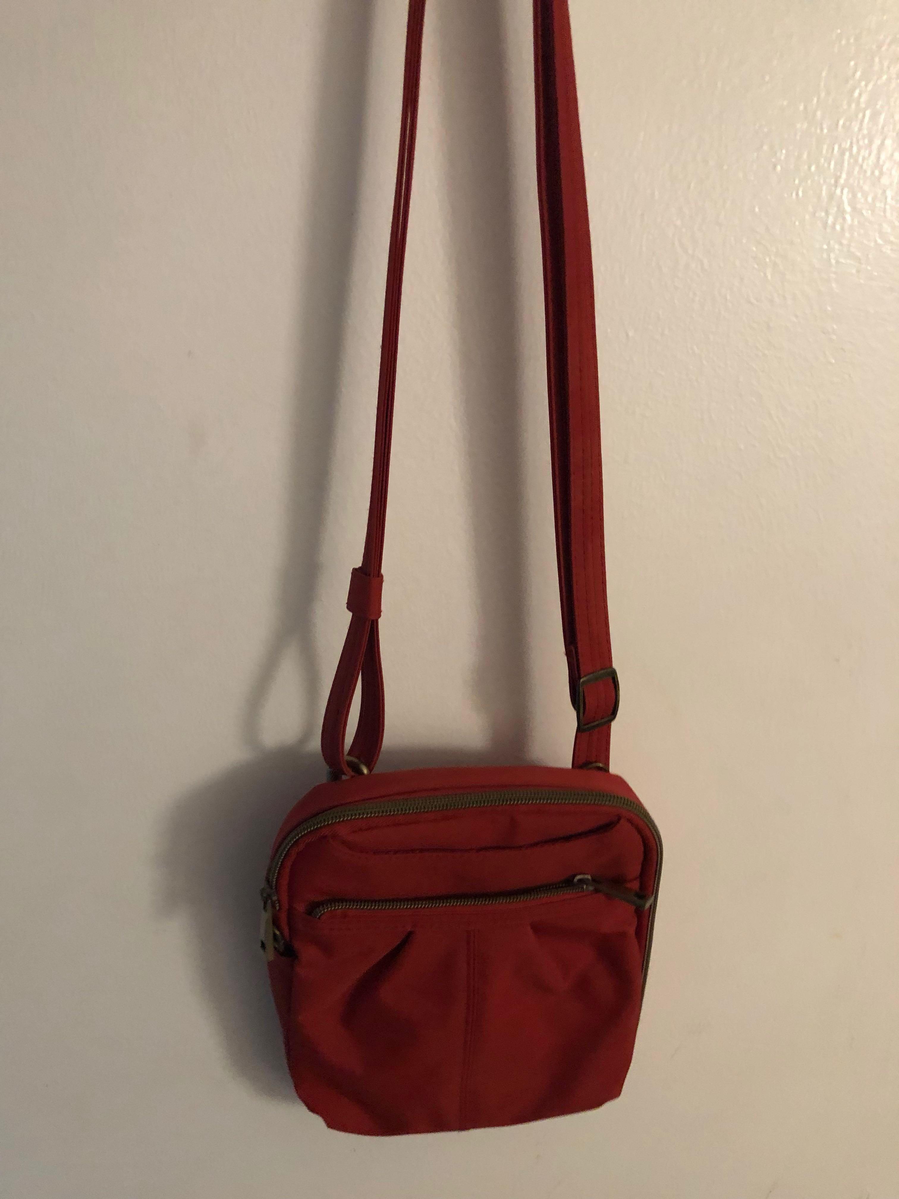 e0d3308472af Travelon Anti-Theft RFID Protected Sling bag