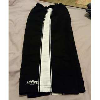 3/4 sports pants sz 10