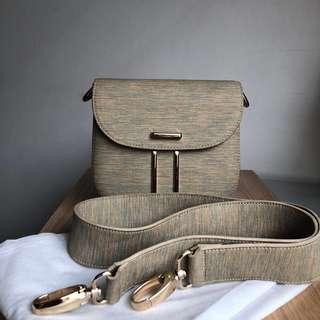 JOSVLI Sling Bag + Strap