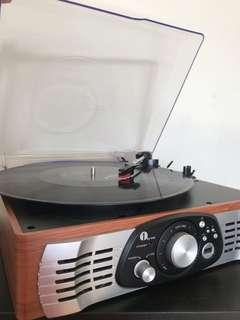 Vinyl record player. Like new