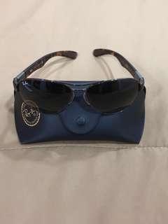 🚚 Ray Ban Sunglasses
