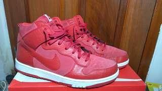 Nike CMFT PRM