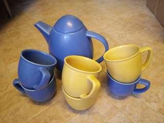 Pot and 6 mugs  Höganäs