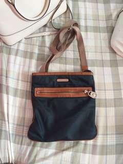 Michael kors sling bag original
