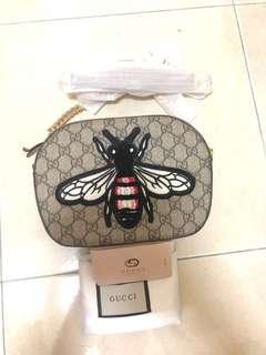 Gucci Bee Slingbag