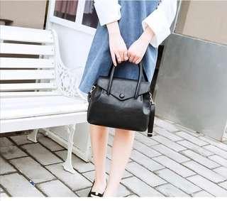 Black Hang /sling bag