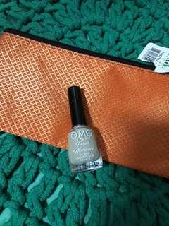 FREE Metalic pouch and nail polish