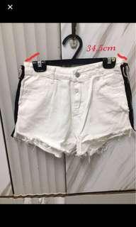 🚚 全新 白色滾邊短褲