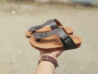 Sandal kulit anak