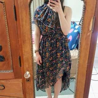 🚚 彩色 藍色 斜肩 露肩無袖洋裝不規則長裙