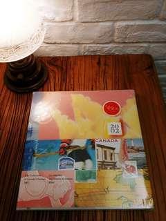 出售2002年 加拿大郵票年刊ㄧ本,售200元,有意請pm我,謝謝!