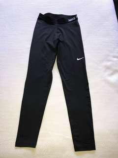 Nike Women's Dri-Fit Leggings Size Medium
