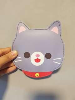 Grey cat pouch