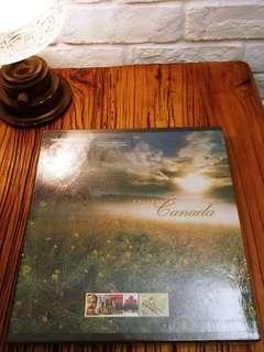 出售1998年 加拿大郵票年刊ㄧ本,售200元,有意請pm我,謝謝!