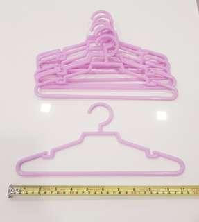 🚚 $0.25 Kid (Child / Children) Plastic Clothes Hangers