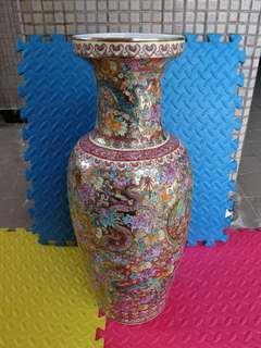 粉彩花瓶, 61cm高, 九條龍, 乾隆年製造