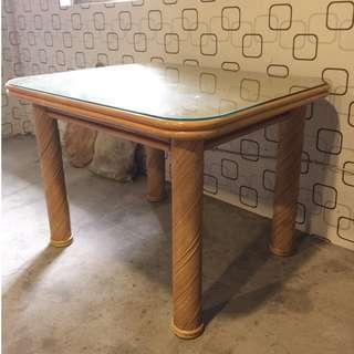 藤腳玻璃方桌