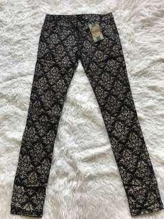 New! Skinny pants brand bou*quet beaucoup