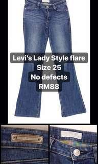 Levi's Lady Flare Jeans