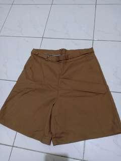 Celana pendek  coklat Murahh! Bisa nego!